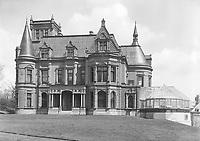 "Duncan McIntyre's house ""Craguie"", McGregor Street (now Drummond Street), Montreal, QC, about 1890, destroyed in 1930 to make place in 1965 to the McIntyre Medical Sciences and Stewart Biological Sciences Buildings. About 1890"