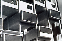 Moshe Safdie: Three-dimensional modular system, 1960. Thesis, McGill University. (For Everyone a Garden, 1974) .