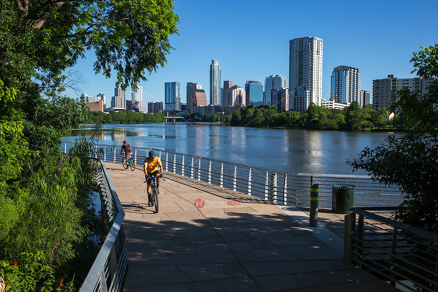 Austin's Boardwalk Trail at Lady Bird Lake centers around outdoor recreation and fitness biking and running and summer is the perfect season go get active in the great outdoors, and thanks to an ever-growing network of Austin's urban recreational trails, staying active this season is easier than ever.