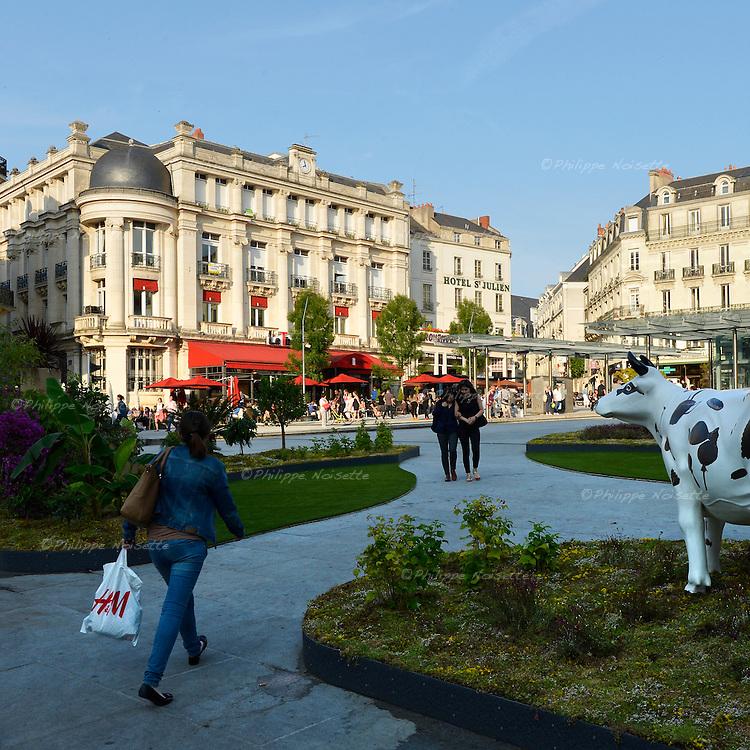 A Angers, la place du Ralliement végétalisée.