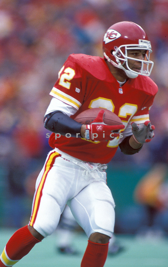Kansas City Chiefs Marcus Allen (32) during a game against the Seattle Seahawks at Arrowhead Stadium In Kansas City, Missouri on October 23, 1994. The Chiefs beat the Seahawks 38-23.   Marcus Allen played for 16 years with 2 different teams, was a 6-time Pro Bowler and was inducted to the Pro Football Hall of Fame in 2003.