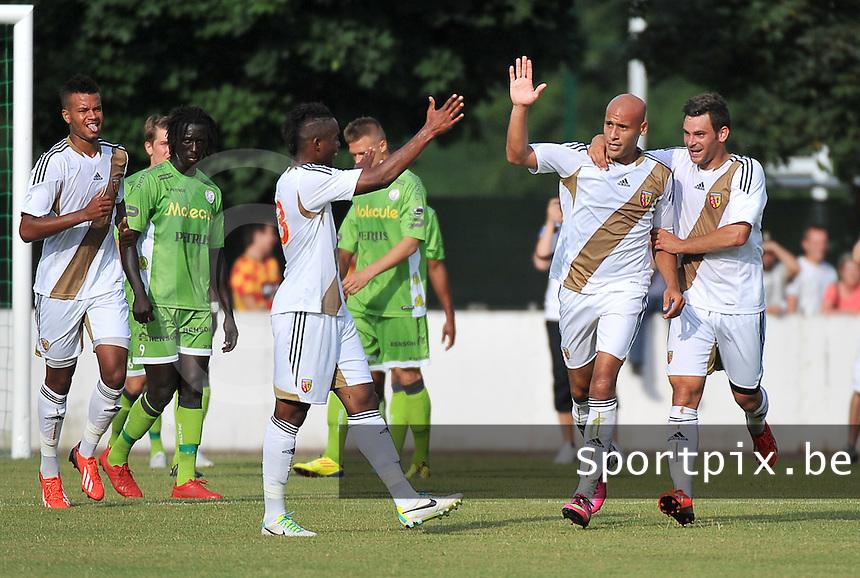 RC Lens - SV Zulte Waregem : Alaeddine Yahia viert zijn doelpunt met Pierre Ducasse (rechts)<br /> foto David Catry / nikonpro.be