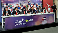 BOGOTA - COLOMBIA - 13 - 03 - 2018: Jahn Fontalvo (Izq.) de Gran Slam Producciones y Director General del Claro Colsanitas WTA 2018, Orlando Merlano (2 Izq.); Director del Instituto Distrital para la Recreación y el Deporte (IDRD); Frank Harb (3 Izq.), Vicepresidente Comercial de Colsanitas; Gabriel De Las Casas (3 Der.), Director de Comunicaciones de Claro; Afranio Restrepo (2 Der.), Subdirector de Coldeportes y Mariana Duque (Der.) deportista, durante la presentación del Claro Colsanitas WTA 2018 de tenis, que se realizara en las canchas del Club Los Lagartos en la ciudad de Bogota del 7 al 15 de abril de 2018. / Jahn Fontalvo (L) of Gran Slam Productions and General Director of Claro Colsanitas WTA 2018, Orlando Merlano (2 L); Director of the District Institute for Recreation and Sports (IDRD); Frank Harb (3 L), Commercial Vice President of Colsanitas; Gabriel De Las Casas (3 R), Communications Director of Claro; Afranio Restrepo (2 R), Deputy Director of Coldeportes and Mariana Duque (R) player, during the presentation of the Claro Colsanitas WTA 2018 of Tennis Championships, to be held in the courts of the Club Los Lagartos in Bogota city, from 7 to April 15, 2018. Photo: VizzorImage / Luis Ramirez / Staff.