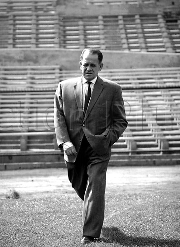 Sepp Herberger in the Stadion von Santiago in Chile before the start of the World Cup football finals in June 1962.