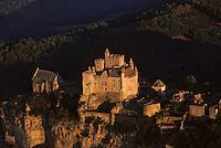 Europe/France/Aquitaine/24/Dordogne/Vallée de la Dordogne/Périgord/Périgord noir/Beynac-et-Cazenac: Le Château de Beynac - Vue aérienne