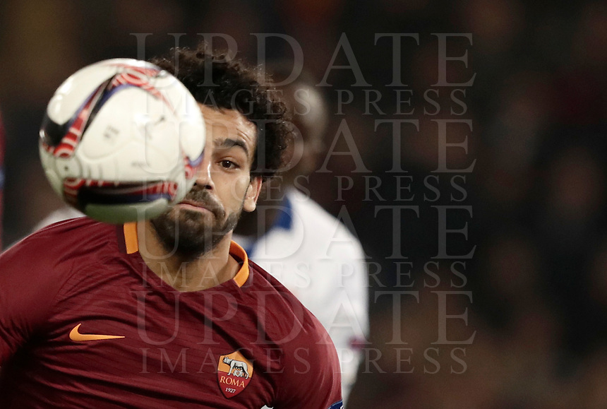 Football Soccer: Europa League Round of 16 second leg, Roma-Lyon, stadio Olimpico, Roma, Italy, March 16,  2017. <br /> Roma's Mohamed Salah in action during the Europe League football soccer match between Roma and Lyon at the Olympique stadium, March 16,  2017. <br /> Despite losing 2-1, Lyon reach the quarter finals for 5-4 aggregate win.<br /> UPDATE IMAGES PRESS/Isabella Bonotto