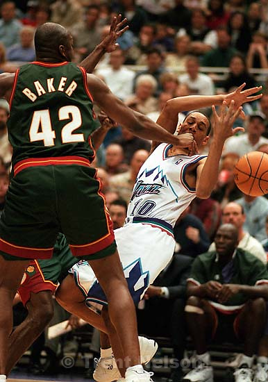 Howard Eisley loses the ball out of bounds at Jazz vs. Seattle Supersonics. Jazz won.<br />