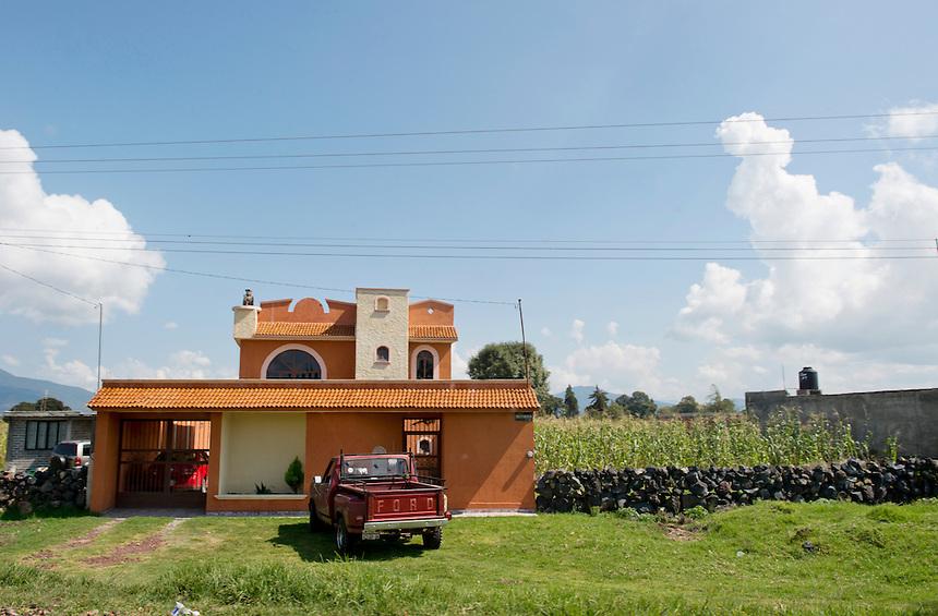 Roadside shooting en route to Erongaricuaro, Michoacan, Mexico