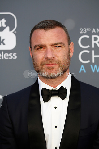 Liev Schreiber attends the 23rd Annual Critics' Choice Awards at Barker Hangar in Santa Monica, Los Angeles, USA, on 11 January 2018. Photo: Hubert Boesl - NO WIRE SERVICE - Photo: Hubert Boesl/dpa /MediaPunch ***FOR USA ONLY***