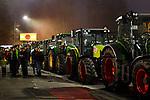 """05.12.2019, Baywa-Gelaende, Memmingen, GER, Bauern-Demonstration in Memmingen, Ueber 4000 Bauern demonstrierten mit fast 3000 Traktoren in Memmingen. Organisiert wurde die Demo von """"Land schafft Verbindung"""". Auf der anschliesenden Kundgebung sprach ua. die bayr. Landwirtschaftsministerin Michaela Kaniber, <br /> im Bild Traktorkonvoi durch Memmingen<br /> <br /> Foto © nordphoto / Hafner"""