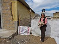 Amealco, Qro. 20 de febrero 2016. A trav&eacute;s del programa Balloon Latam, integrantes de comunidades de escasos recursos en el municipio de Amealco han recibido capacitaci&oacute;n para impulsar proyectos de emprendedurismo. J&oacute;venes de toda Latinoam&eacute;rica han estado durante cinco semanas colaborando con artesanos, microempresarios y profesionistas para orientarlos acerca de la mejor manera para consolidar sus proyectos. <br /> <br /> En las im&aacute;genes: Georgina Garc&iacute;a Cruz, odont&oacute;loga que pretende crear y atender una unidad m&oacute;vil que pueda ayudar a diagnosticar y atender problemas de salud dental en todas las comunidades del municipio; Yesenia Tovar, quien coordina talleres de bisuter&iacute;a con mujeres amas de casa con la finalidad de que estas tengan ingresos propios sin abandonar sus hogares; Anastasia Cruz, artesana que junto a sus hijas confecciona mu&ntilde;ecas t&iacute;picas de la regi&oacute;n, as&iacute; como caminos de mesa, blusas, vestidos y otras prendas; y Georgina Trejo, quien en coordinaci&oacute;n con otras mujeres de su comunidad tiene ya en marcha una granja de pollos naturales. <br /> <br /> Estas mujeres son tan s&oacute;lo cuatro de los m&aacute;s de 100 participantes que est&aacute;n inscritos en este programa y que han recibido capacitaci&oacute;n en estas &uacute;ltimas semanas.<br /> <br /> Foto: Alejandra L. Beltr&aacute;n / Obture Press Agency