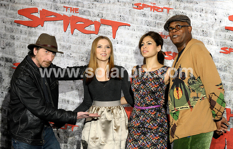 """**ALL ROUND PICTURES FROM SOLARPIX.COM**.**SYNDICATION RIGHTS FOR UK AND SPAIN ONLY**.The  premiere for the release of """"The Spirit"""" on the 29th Jan 2009 in Berlin Germany today..This Pic.Eva Mendes, Scarlet Johansson,Samuel L Jackson..JOB REF:8111          CPR/DDP        DATE:08.12.08.**MUST CREDIT SOLARPIX.COM OR DOUBLE FEE WILL BE CHARGED* *UNDER NO CIRCUMSTANCES IS THIS IMAGE TO BE REPRODUCED FOR ANY ONLINE EDITION WITHOUT PRIOR PERMISSION*"""