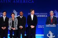 """RIO DE JANEIRO, RJ, 09.11.2013 -BILL CLINTON / CLINTON GLOBAL INTIATIVE (CGI) / RJ - Bill Clintn, ex-presidente dos Estados Unidos, na abertura do clinton Global Intiative, na manhã desta segunda-feira (09), o tema do painel de abertura é """"Desenhando oportunidades para o crescimento"""". Nessa sessão, líderes de diferentes setores vão falar sobre parcerias que estimulem a cultura de inovação, promovam o desenvolvimento econômico e levem à maior competitividade global da região, em Copacabana, zona sul da cidade do Rio de Janeiro. (Foto: Marcelo Fonseca / Brazil Photo Press)."""