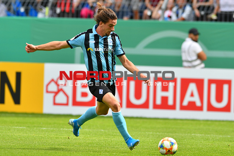 11.08.2019, Carl-Benz-Stadion, Mannheim, GER, DFB Pokal, 1. Runde, SV Waldhof Mannheim vs. Eintracht Frankfurt, <br /> <br /> DFL REGULATIONS PROHIBIT ANY USE OF PHOTOGRAPHS AS IMAGE SEQUENCES AND/OR QUASI-VIDEO.<br /> <br /> im Bild: Valmir Sulejmani (SV Waldhof Mannheim #9)<br /> <br /> Foto © nordphoto / Fabisch