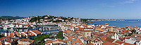 France, Pyrénées-Atlantiques (64), Pays-Basque, Saint-Jean-de-Luz, panorama depuis le clocher de l'église Saint-Jean-Batiste , le port de pêche, Ciboure et la baie de Saint-Jean-de-Luz // France, Pyrenees Atlantiques, Basque Country, Saint Jean de Luz, view from the bell tower of Saint Jean Batiste church: Fishing port, Ciboure and Saint Jean de Luz bay