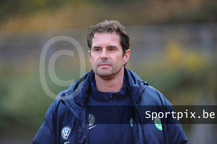 20161105 - MOENCHENGLADBACH , GERMANY : Wolfsburg's   coach Ralf Kellermann pictured during an Allianz Frauen Bundesliga game between Borussia Mönchengladbach and Vfl Wolfsburg during the 7th spieltag - game for the 2016-2017 Allianz Frauen-Bundesliga season , Saturday 5 th November 2016 ,  PHOTO Dirk Vuylsteke | Sportpix.Be