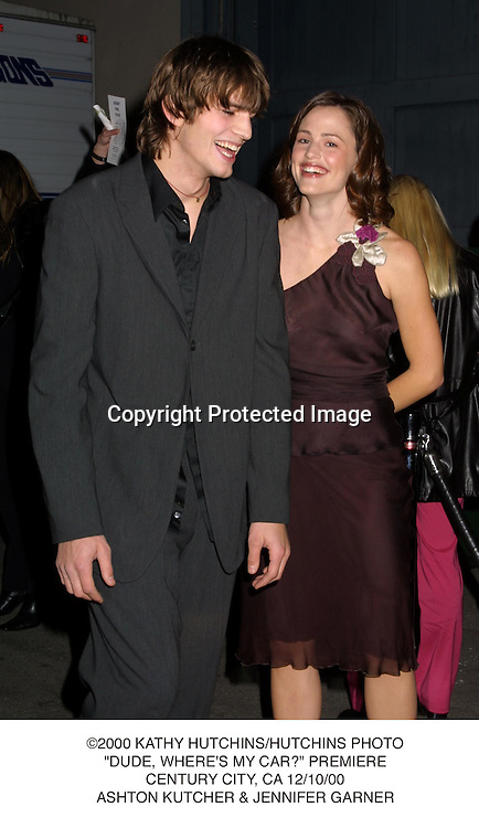 "©2000 KATHY HUTCHINS/HUTCHINS PHOTO.""DUDE, WHERE'S MY CAR?"" PREMIERE.CENTURY CITY, CA 12/10/00.ASHTON KUTCHER & JENNIFER GARNER"
