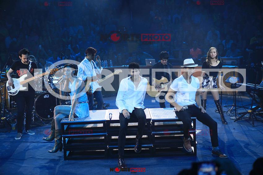 Sasha,Erik y Benny durante su concierto en el Palenque de la ExpoGan el 29 de abril 2014 en Hermosillo Sonora