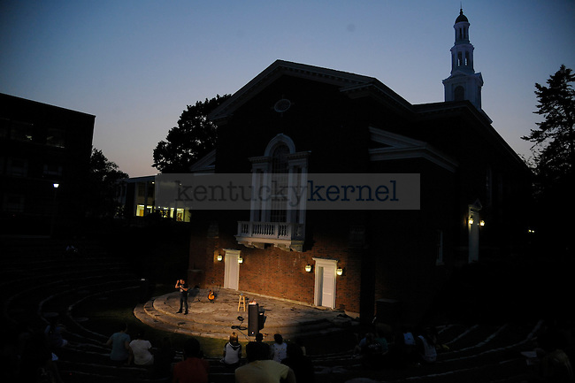 """Columnist Harlen Cohen, the author of """"The Naked Roommate"""", talked to a crowd on UK's campus. Photo by Mike Weaver 
