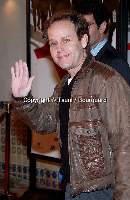 Peter McNicols arriving at the Ocean Eleven premiere at the Mann's Village Theatre in Westwood, Los Angeles. December 15, 2001.            -            McNicolsPeter01.jpg