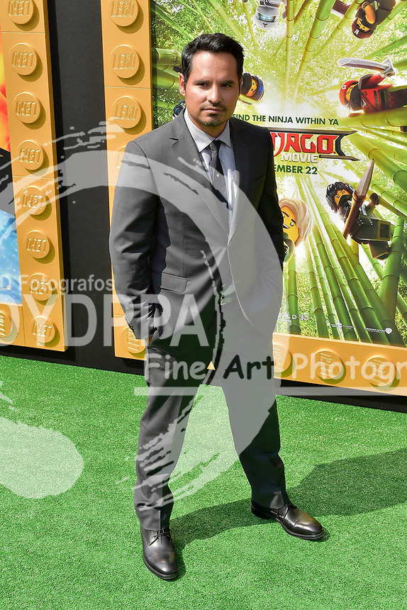Michael Pena bei der Premiere des Kinifilme 'The LEGO Ninjago Movie' im Regency Village Theatre. Westwood, 16.09.2017