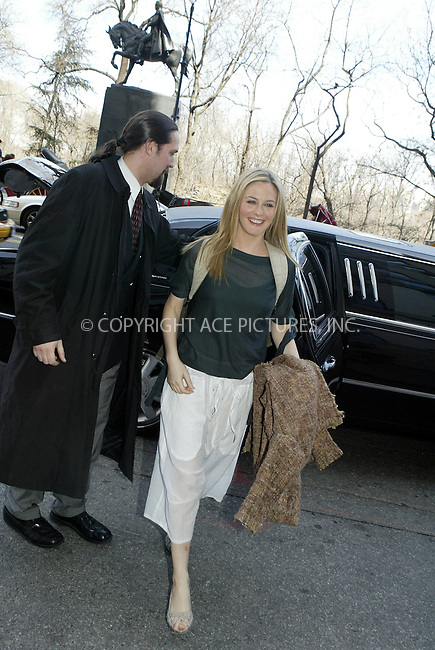 WWW.ACEPIXS.COM . . . . .  ....NEW YORK, MARCH 30, 2005....Alicia Silverstone arriving at her midtown hotel.....Please byline: Ian Wingfield - ACE PICTURES..... *** ***..Ace Pictures, Inc:  ..Craig Ashby (212) 243-8787..e-mail: picturedesk@acepixs.com..web: http://www.acepixs.com