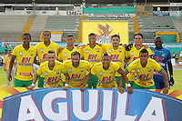 NEIVA - COLOMBIA -23-10-2016: Los jugadores de Atletico Huila posan para una foto durante partido entre Atletico Huila y Once Caldas, por la fecha 17 de la Liga Aguila II 2016 en el estadio Guillermo Plazas Alcid de la ciudad de Neiva. / The players of Atletico Huila pose for a photo, during a match between Atletico Huila and Once Caldas, date 17 of the Liga Aguila II 2016 at the Guillermo Plazas Alcid Stadium in Neiva city. Photo: VizzorImage  / Sergio Reyes / Cont.