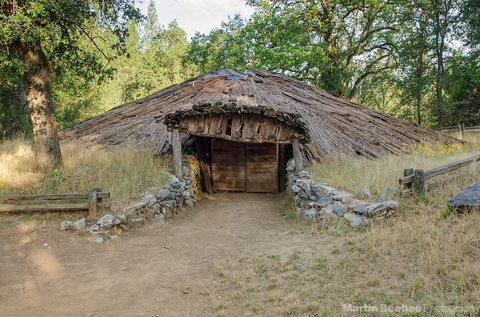Miwok roundhouse, Indian Grinding Rock State Historic Park, Amador County, California