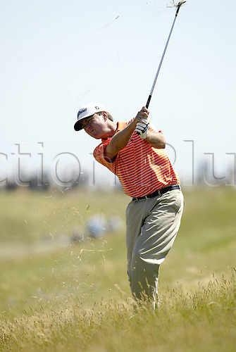 July 18, 2003: DAVIS LOVE III (USA) plays an iron from the rough on the 7th, The Open Championship, Royal St George's Golf Club Photo: Neil Tingle/Action Plus...British 2003 golf golfer golfers 030718