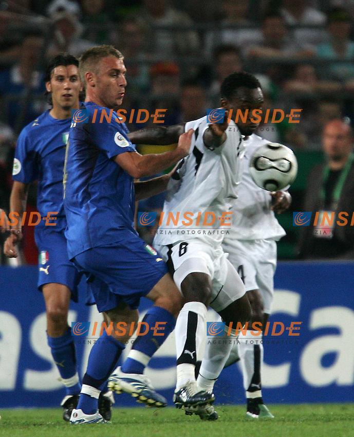 Hanover 12/6/2006 World Cup 2006.Italia Ghana.Photo Andrea Staccioli Insidefoto.DE ROSSI E ESSIEN