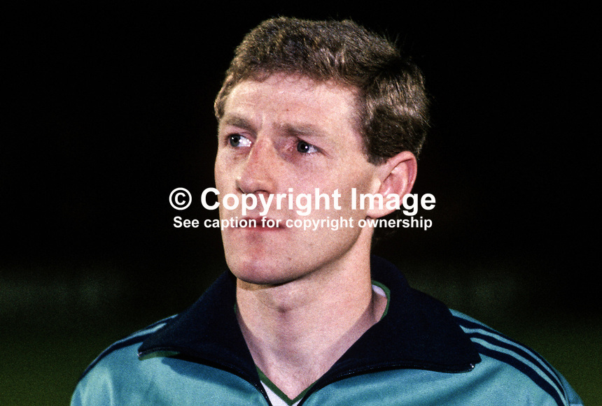 Nigel Worthington, footballer, Sheffield Wednesday FC & N Ireland, 19860308NW..Copyright Image from Victor Patterson, 54 Dorchester Park, Belfast, UK, BT9 6RJ..Tel: +44 28 9066 1296.Mob: +44 7802 353836.Voicemail +44 20 8816 7153.Skype: victorpattersonbelfast.Email: victorpatterson@mac.com.Email: victorpatterson@ireland.com (back-up)..IMPORTANT: If you wish to use this image or any other of my images please go to www.victorpatterson.com and click on the Terms & Conditions. Then contact me by email or phone with the reference number(s) of the image(s) concerned.