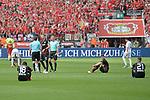 12.05.2018, BayArena, Leverkusen, GER, 1.FBL, Bayer 04 Leverkusen vs Hannover 96, im Bild nach dem Schlusspfiff ersch&ouml;pfte Leverkusener am Boden<br /> <br /> <br /> Foto &copy; nordphoto/Mauelshagen