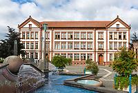 Deutschland, Rheinland-Pfalz, Pirmasens: Exerzierplatz mit neuem Rathaus | Germany, Rhineland-Palatinate, Pirmasens: Exerzierplatz - square with new cityhall