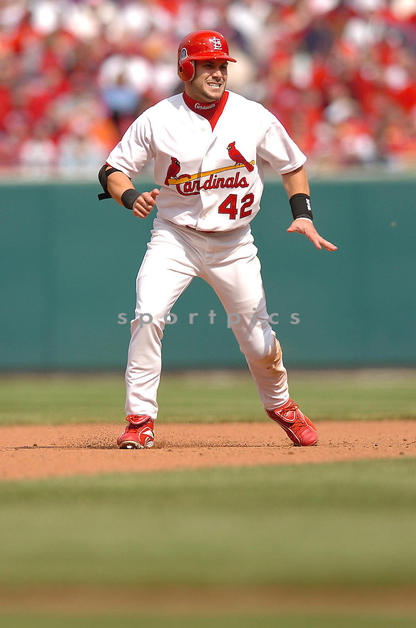 SKIP SCHUMAKER, of the St. Louis Cardinals, in action during the Cardinals game against the Milwaukee Brewers in St. Louis, Missouri on April 15, 2007...Cardinals win 10-2....CHRIS BERNACCHI/ SPORTPICS..