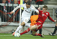 FUSSBALL: Champions League, Halbfinale, Hinspiel, FC Bayern Muenchen - Real Madrid, Muenchen, 17.04.2012..Mesut Oezil (Real, l.) - Toni Kroos (Bayern)..© pixathlon