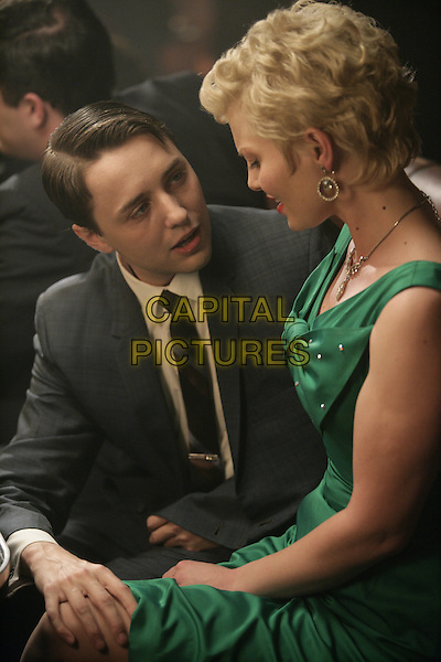 VINCENT KARTHEISER, HEATHER KLAR<br /> in Mad Men (Season 1)<br /> *Filmstill - Editorial Use Only*<br /> CAP/FB<br /> Image supplied by Capital Pictures
