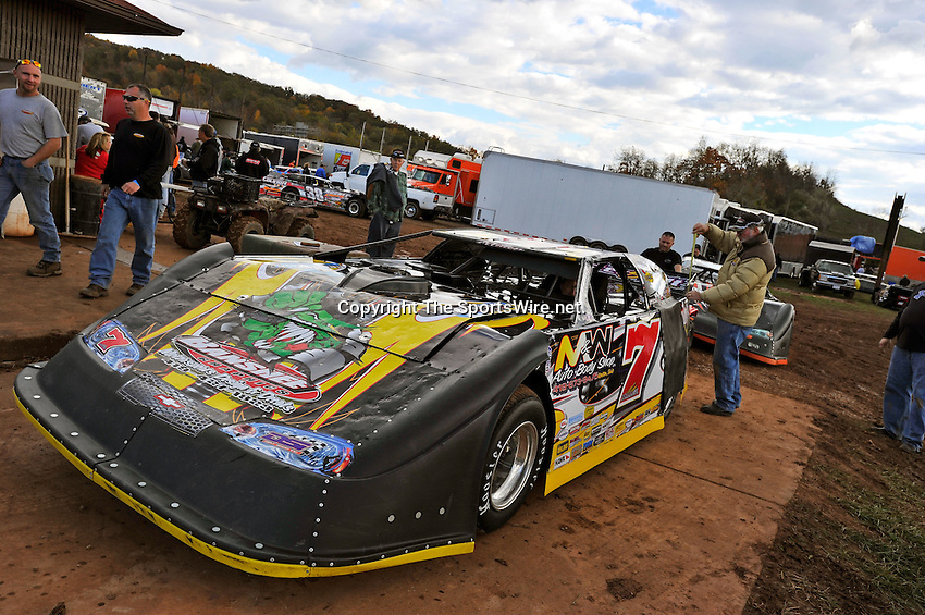 Oct 15, 2010; 4:30:53 PM;Mineral Wells,WV ., USA; The 30th Annual Dirt Track World Championship dirt late models 50,000-to-win event at the West Virginia Motor Speedway.  Mandatory Credit: (thesportswire.net)