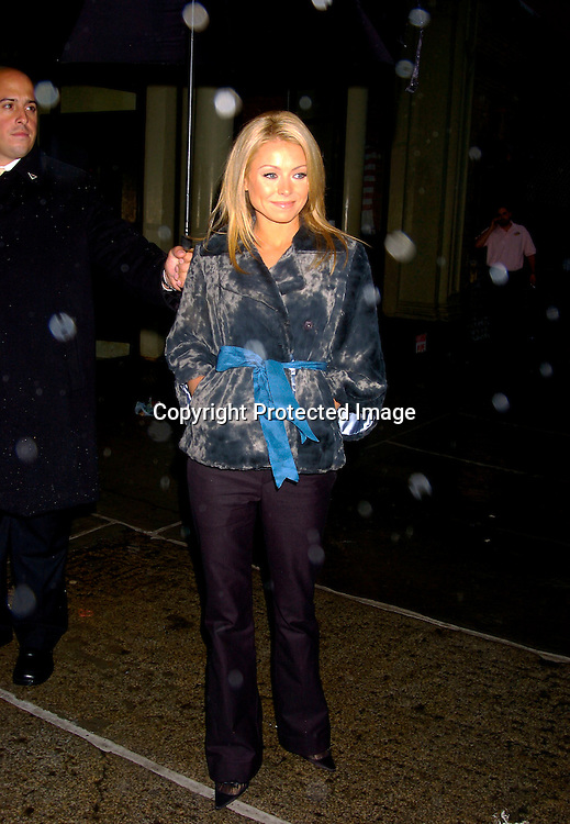 Kelly Ripa ..at a screening of the new 7 UP PLUS Commercials, which..star Kelly Ripa, Regis Philbin, Kristin Davis and Cynthia Nixon on October 19, 2004 at the Great Jones Spa. ..Photo by Robin Platzer, Twin Images..