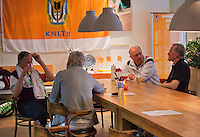 Hilversum, The Netherlands, 05.03.2014. NOVK ,National Indoor Veterans Championships of 2014, a beer after the match<br /> Photo:Tennisimages/Henk Koster