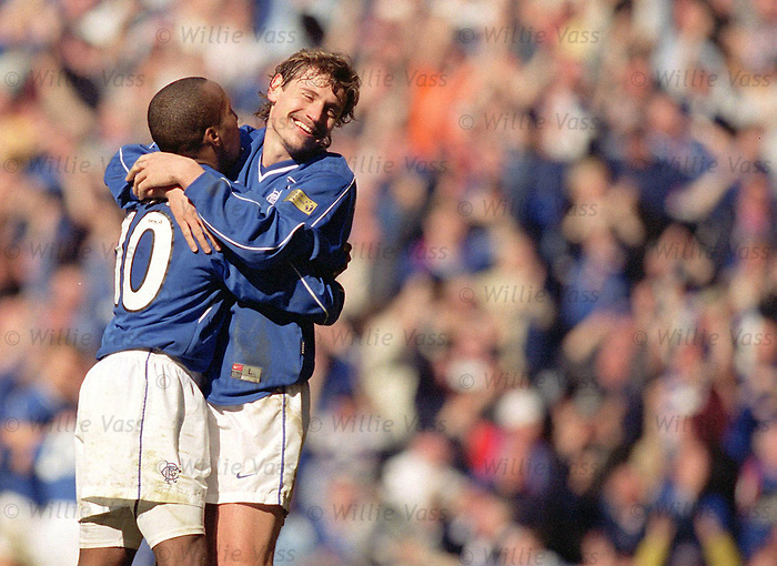 Andrei Kanchelskis and Rod Wallace celebrate scoring against Celtic