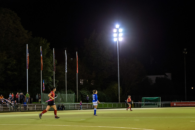Ruesselsheim, Germany, October 11: During the 1. Hockey Bundesliga women match between Ruesselsheimer RK and Mannheimer HC on October 11, 2019 at Ruesselsheimer RK in Ruesselsheim, Germany. Final score 1-3. (Copyright Dirk Markgraf / 265-images.com) ***