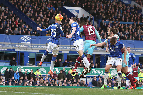 05.03.2016. Goodison Park, Liverpool, England. Barclays Premier League. Everton versus West Ham. Diafra Sakho of West Ham United heads his team's second goal.