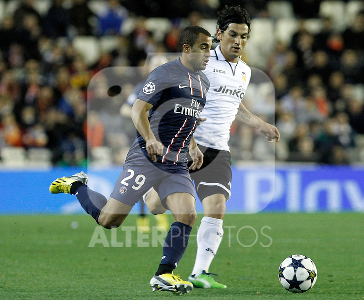 Valencia CF's Tino Costa (r) and Paris Saint-Germain's Lucas during Champions League 2012/2013 match.February 12,2013. (ALTERPHOTOS/Acero)