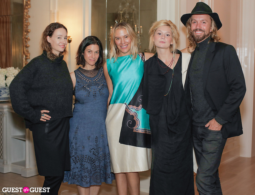 Jenni Kayne, Cindy DiPrima, Kerrilynn Pamer, Nitsa Citrine and Scott Linde attend the CAP Beauty + Jenni Kayne Dinner on Nov. 5, 2015 (Photo by Inae Bloom/Guest of a Guest)