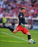 12.05.2018, Football 1. Bundesliga 2017/2018, 34.  match day, FC Bayern Muenchen - VfB Stuttgart, in Allianz-Arena Muenchen.  goalkeeper Ron Robert Zieler (Stuttgart) Abschlag. *** Local Caption *** © pixathlon<br /> <br /> +++ NED + SUI out !!! +++<br /> Contact: +49-40-22 63 02 60 , info@pixathlon.de