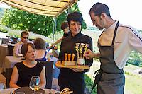 Europe/France/Rhône-Alpes/73/Savoie/Jongieux: Léquipe du Restaurant: Les Morainières avec Michaël Arnoult  [Non destiné à un usage publicitaire - Not intended for an advertising use]