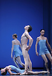 TROISIEME SYMPHONIE DE GUSTAV MAHLER....Choregraphie : NEUMEIER John..Decor : NEUMEIER John..Lumiere : NEUMEIER John..Avec :..LE RICHE Nicolas..DANIEL Nolwenn..Lieu : Opera Bastille..Ville : Paris..Le : 11 03 2009..© Laurent PAILLIER / photosdedanse.com