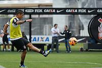 SAO PAULO, SP 24 SETEMBRO 2013 - TREINO CORINTHIANS - O jogador Ralf durante o treino de hoje, 24, no Ct. Dr. Joaquim Grava.. foto: Paulo Fischer/Brazil Photo Press.