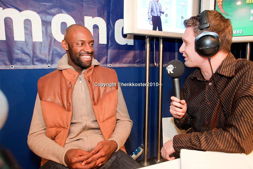 12-2-10, Rotterdam, Tennis, ABNAMROWTT,Centrecourt, interview, food