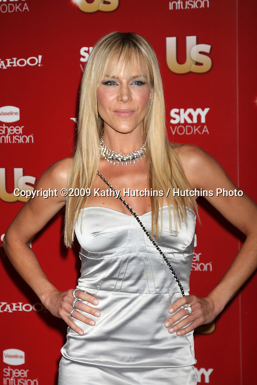 Julie Benz.arriving at the 2009 US Weekly Hot Hollywood Party.Voyeur.West Hiollywood,  CA.November 18, 2009.©2009 Kathy Hutchins / Hutchins Photo.